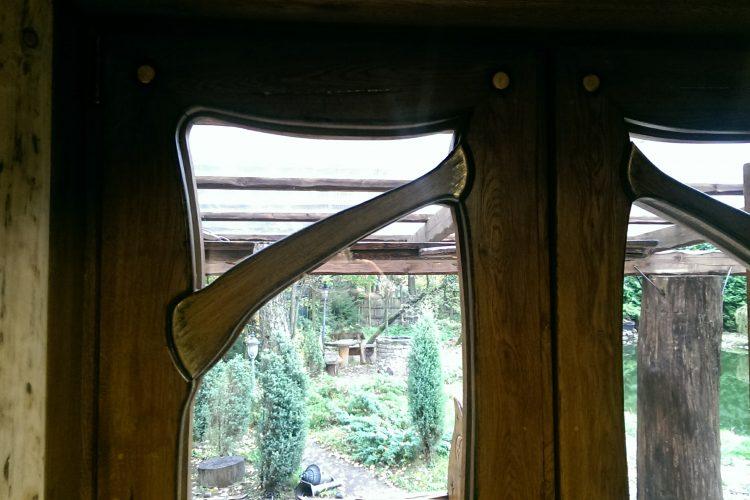 Пластиковые окна с деревянными накладками