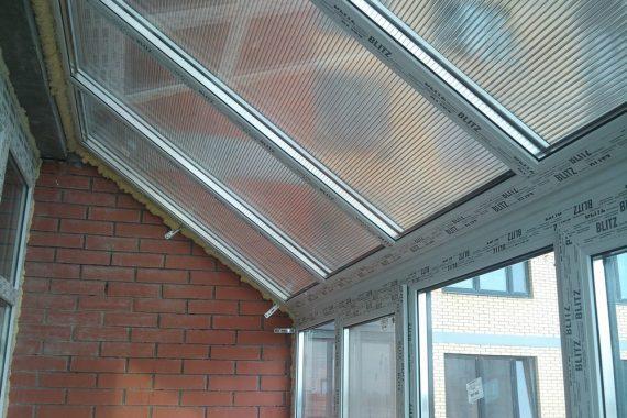 прозрачная крыша балкона