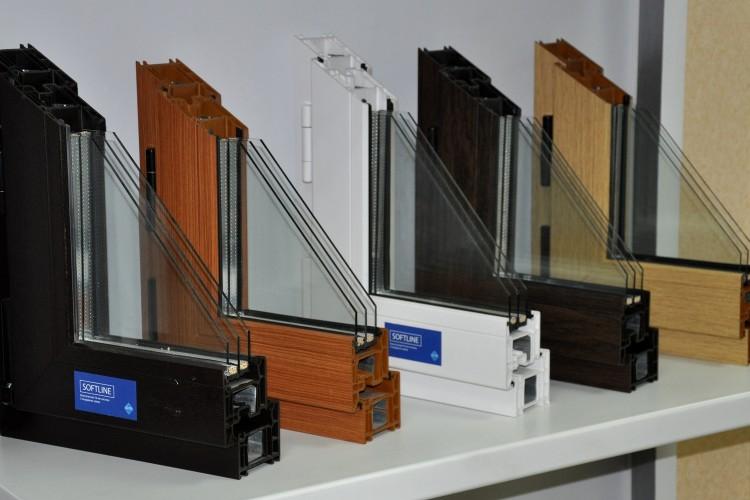 Кашированые окна REHAU