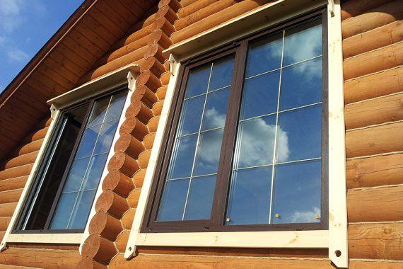 наличник на окна снаружи в деревянном доме