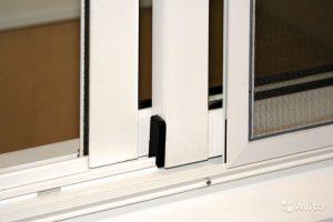 Москитная сетка для развдижных окон на балконе